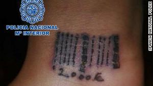 Tatuaj cu cod de bare facut de traficantii romani - trafic de persoane romania - blog eliberare